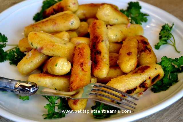 assiette de quenelles de farine de maïs