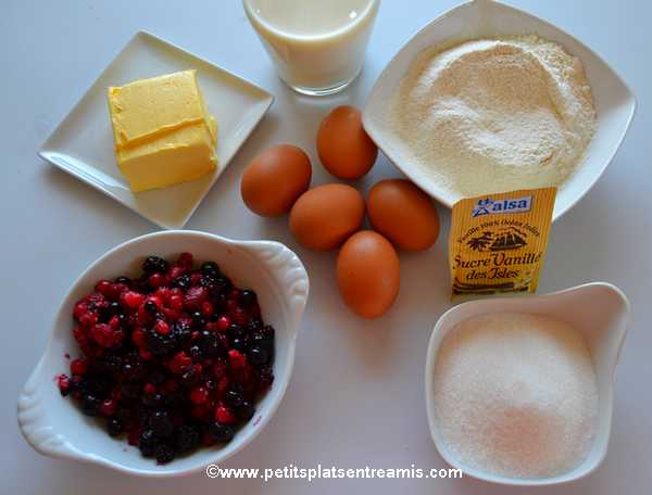 ingrédients gâteau magique aux fruits rouges