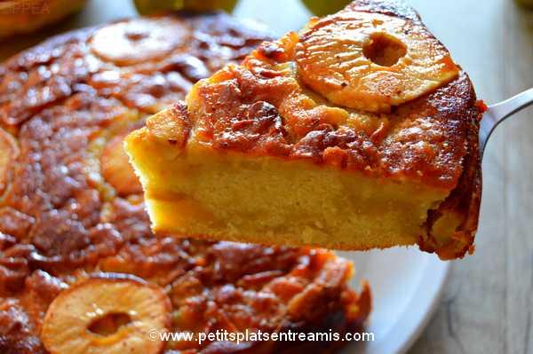 part de gâteau-aux-pommes-et-sirop-d'érable