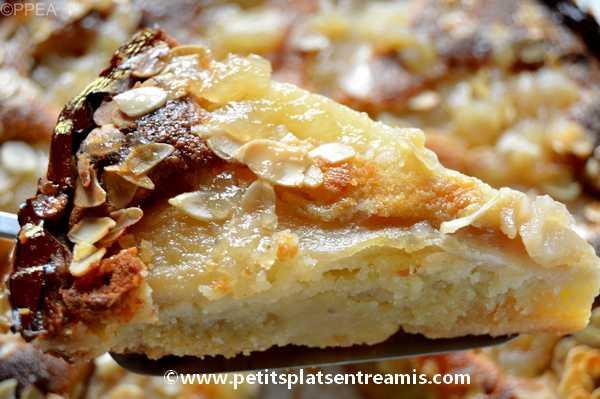 part de tarte amandine aux poires
