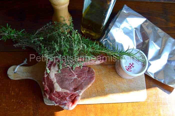 Ingrédients pour côte-de-bœuf-grillée-au-barbecue-thym-et-romarin