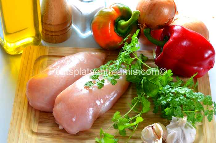 ingrédients pour émincés de poulet aux oignons et poivrons