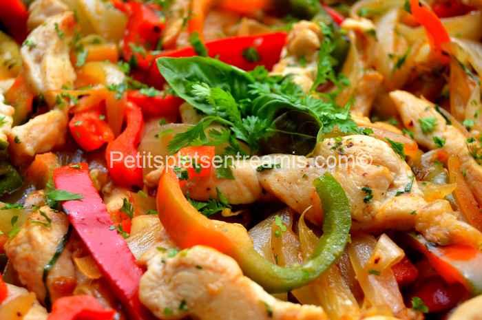recette émincés de poulet aux oignons et poivrons