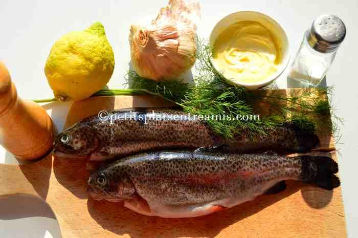 ingrédients truite-saumonée-au-beurre-d'ail-et-aneth