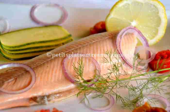 recette truite-saumonée-et-ses-petits-légumes