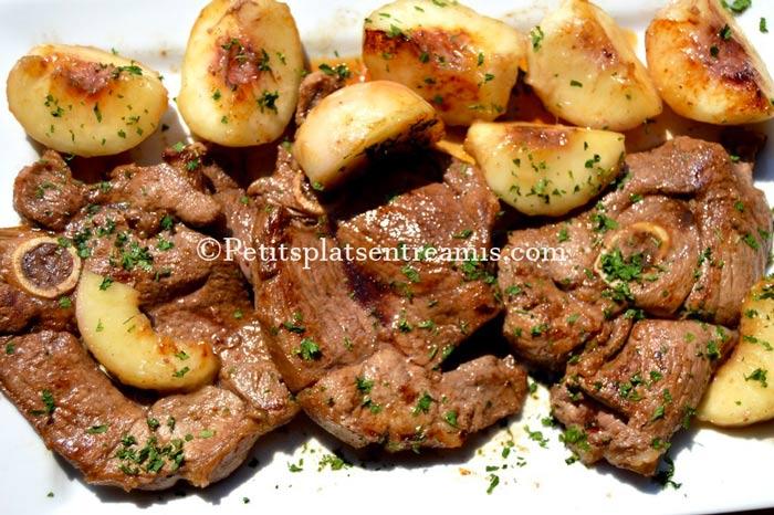tranches-de-gigot-d'agneau-aux-pêches-blanches-recette