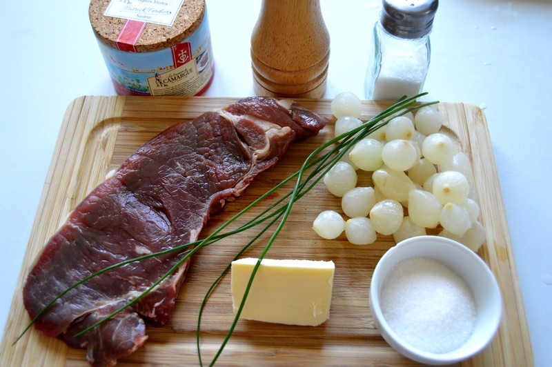 ingredients-du-faux-filet-aux-oignons-glaces