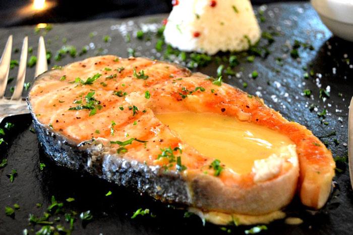 recette-darne-de-saumon-au-beurre-blanc