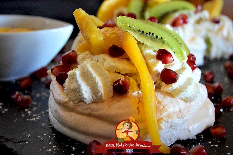 Recette de pavlova aux fruits exotiques et coulis de mangue