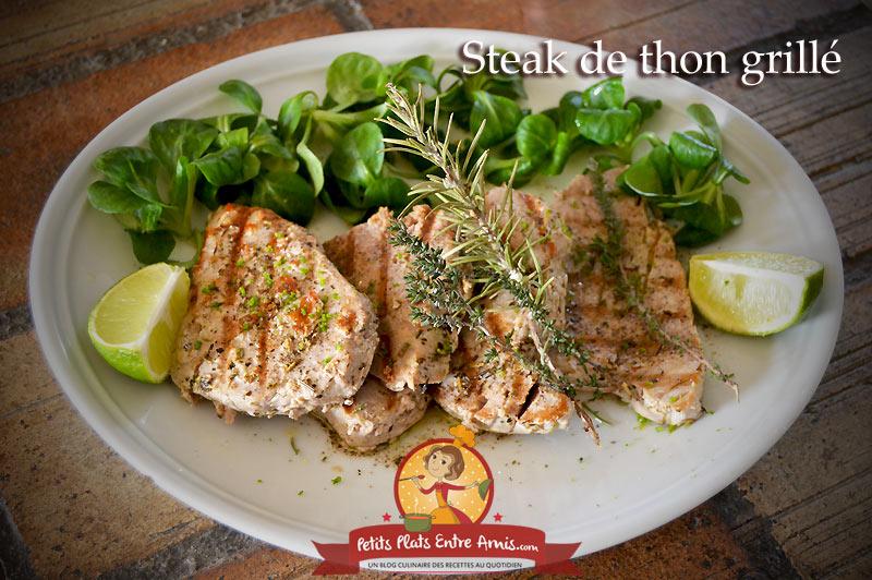 Steak de thon grillé